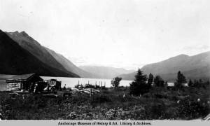 Nellie Lawing's property on Kenai Lake, 1938. [Alaska State Library AMRC-b75-40-7]
