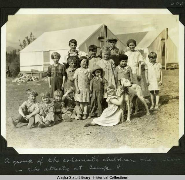 A group of colonist children [Willis T. Geisman, 1935]