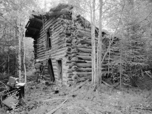 North elevation from northwest – Woodchopper Roadhouse, Yukon River [Historic American Buildings Survey (Library of Congress)]
