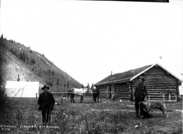 Gakona Roadhouse, by P. S. Hunt. [AMRC-b62-1-a-151 Crary-Henderson Collection]